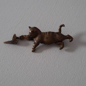 Vintage jj cat and 🦋 brooch